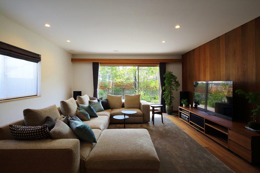 ソフトなバリアの常緑の庭/A邸(大阪府堺市)